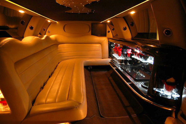 lincoln limo service Meriden